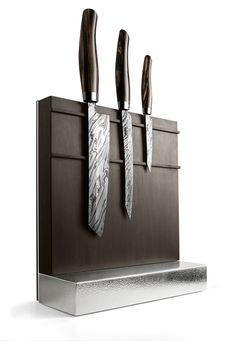 THE POSSIBLY MOST EXPENSIVE KNIFE SET IN THE WORLD More information:http://nesmuk.de/en/collection/annual-knives/ // DAS VIELLEICHT TEUERSTE KOCHMESSERSET DER WELT Mehr erfahren: http://nesmuk.de/messer/jahresmesser/  #knives #luxury #messer