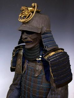 Great Edo Samurai Armor --- Japanese Samurai Armor and Armour. Ronin Samurai, Samurai Weapons, Samurai Helmet, Samurai Armor, Arm Armor, Elmo, Geisha, Ninja Armor, Samourai Tattoo