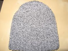 Beret, Knitted Hats, Knit Crochet, Couture, Pure Products, Revers, Knitting, Voici, Bonnets