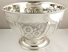 Hallmarked - English (Birmingham), silversmith William Aitken For spicy warm mixed nuts Jewelry Shop, Silver Jewelry, Hammered Silver, Sterling Silver, Silver Pooja Items, Silver Furniture, Silver Ornaments, Silver Jewellery Indian, Silver Gifts