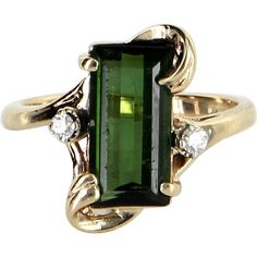 Green Tourmaline Diamond Cocktail Ring Vintage 14 Karat Yellow Gold Estate Jewelry