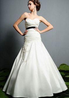 Airy Taffeta A line Floor Length Sweetheart Sweep/ Brush Train Bridal Dresses - Lunadress.co.uk