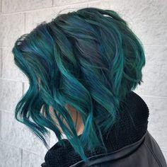 Aqua Hair Color, Peacock Hair Color, Dark Teal Hair, Teal Ombre Hair, Blue Green Hair, Green Hair Colors, Hair Dye Colors, Hair Color Dark, Teal Hair Highlights
