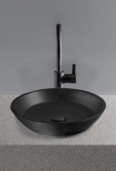 Ceramic and Stone Sink | Bathroom Details | Home Decor | Interior Design Inspiration | Black and Grey | Bagno | Lavandino