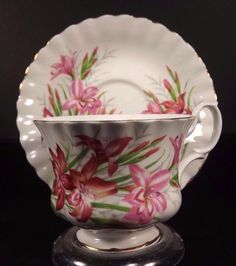 Royal Albert Day Lily Pink White Cup Saucer Gold Trim Bone China England 1960s #RoyalAlbert #DayLily