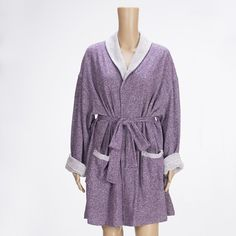 Bathrobes for women and men. How to select the perfect one? There are different types of bathrobes for women and men in the market. But to find the right one, the first step is to determine how much you are going to spend. In the next step, you must realize how you are going to use the bathrobe.
