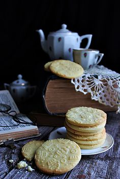 KEKSZ 3 ÖSSZETEVŐBŐL ~ Waffles, Cookies, Breakfast, Cake, Advent, Facebook, Food, Crack Crackers, Morning Coffee