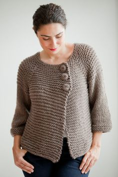 Brown Retro Cardigan by Afra por afra en Etsy Plus Size - Over Size Sweater Dark Gray - Red Hand Knitted Sweater with Pocket Tunic - Sweater Dress by Afra This cardigan is hand knit. It is made with wool and acrylic yarn. It is light weight. Crochet Cardigan Pattern, Crochet Jacket, Sweater Knitting Patterns, Free Knitting, Knit Crochet, Hand Knitted Sweaters, Knitted Poncho, Handgestrickte Pullover, Crochet Buttons