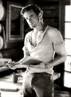 Matt Bomer is soooooo gay... but sooooo hot.