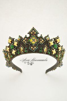 Купить Тиара Guinevere с кристаллами Swarovski - разноцветный, тиара, венец, кокошник, бронза, зеленый