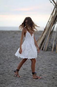 Summer Fashion Tips .Summer Fashion Tips Mode Hippie, Bohemian Mode, Boho Chic, Boho Style, Casual Summer Dresses, Summer Outfits, Cute Outfits, White Dress Summer, Beach Dresses