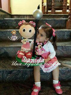 Daniela, feliz con su doble.... https://www.facebook.com/UnaFofuchacomotu