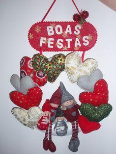 Mais uma Coroa de Natal a encher de corações mais uma Família ;) Peça já a sua e sinta o amor em sua casa.