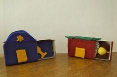 Matchbox sukkah and beit knesset via birkat chaverim Felt Crafts, Easy Crafts, Crafts For Kids, Jewish High Holidays, Simchat Torah, Jewish Crafts, Hebrew School, Peaceful Home, Educational Crafts