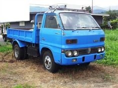 Isuzu Elf Truck 1975 | Photo1
