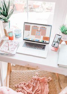 Desk Inspo, Workspace Inspiration, Room Inspiration, Office Inspo, Office Organization At Work, Desktop Organization, Study Room Decor, Room Ideas Bedroom, Home Office Design