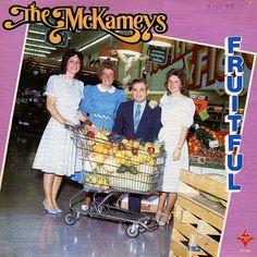 The McKameys - Fruitful o No tengo presupuesto y nos hacemos una foto en el súper con el traje de los domingos
