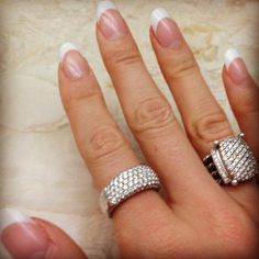 Oval nails http://www.lovesunsetblonde.com