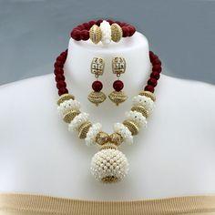 Nice Jewelry, Bead Jewelry, Jewelry Necklaces, African Beads, African Jewelry, Wedding Jewelry Sets, Jewelry Party, Glass Crystal, Sweater Fashion
