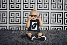 black and white drop, first birthday photo theme, UNO 1 year photo session