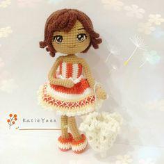 《试钩》莎凡娜 Savannah 💕🌂(原创 Pattern by @chu_peichun ) 莎凡娜有着健康的肤色,俏丽的短发,热情又开朗,原创设计的洋伞🌂做法超赞!特地为她绣了对明亮的大眼睛 👀,好可爱有没有?😂 #amigurumi #amigurumis #crochet #crocheting #crochetlove #crochetdoll #doll #diy #ganxet #ganchillo #häken #handmade #handcraft #haken #instacrochet #ilovecrochet #钩针 #yarn