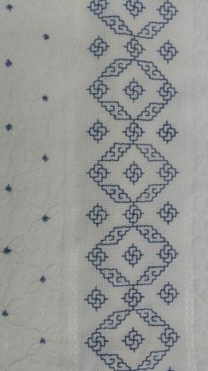 This post was discovered by In Kasuti Embroidery, Swedish Embroidery, Border Embroidery, Cross Stitch Embroidery, Cross Stitch Designs, Cross Stitch Patterns, Bordado Tipo Chicken Scratch, Hand Embroidery Design Patterns, Kutch Work Designs