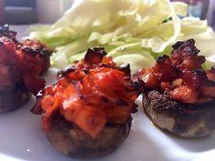 Töltött gomba Tandoori Chicken, Baked Potato, Potatoes, Baking, Ethnic Recipes, Food, Patisserie, Bakken, Potato
