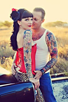 Rockabilly couple. Love her style.