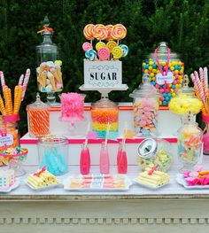 Arc-En-Ciel wedding candy buffet, sweet table wedding, candy bar party, can Dessert Bars, Dessert Tables, Candy Buffet Tables, Birthday Candy Buffet, Candy Land Birthday Party Ideas, Vintage Candy Buffet, Diy Dessert, Buffet Dessert, Deco Buffet