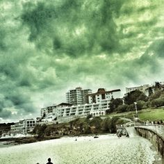 Bondi Beach, Sydney. TRAVEL AUSTRALIA ICONS