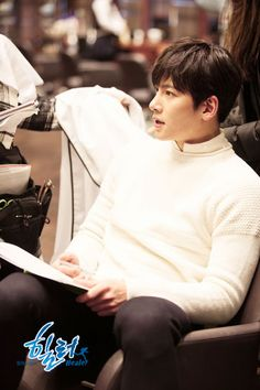 ImageFind images and videos about kdrama, ji chang wook and healer on We Heart It - the app to get lost in what you love. Healer Drama, Kdrama, Ji Chang Wook Photoshoot, Ji Chang Wook Healer, Fabricated City, Love 2014, Ji Chan Wook, Empress Ki, Suspicious Partner