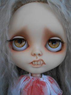 Vampire Custom Blythe Doll por Spookykidsworkshop en Etsy