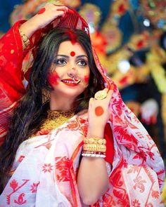 Beautiful Girl In India, Beautiful Bride, Beautiful Women, Beauty Full Girl, Beauty Women, Girl Pictures, Girl Photos, Holi Girls, Bengali Bridal Makeup