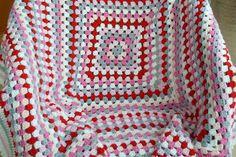 Haak Plein,Leren Om Te Maken Deze Deken Stap Voor Stap.             Oma-vierkanten zijn eenvoudige maar veelzijdige haak patronen die kunn...