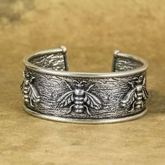 Britannia metal bracelet, handmade in the U. by Oberon Design, offering a variety of bracelet styles. - Lead free, food grade Britannia metal *Please Note: Many of us at Oberon Design are gardener I Love Jewelry, Fine Jewelry, Jewelery, Silver Jewelry, Fancy Jewellery, Silver Necklaces, Jewelry Necklaces, Silver Ring, Metal Bracelets