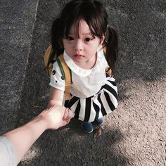 More Than 73 Ideas Baby Kids Ulzzang Baby ideas baby kids ulzzang baby ideen baby kinder ulzzang baby idee baby kids ulzzang baby Cute Asian Babies, Korean Babies, Asian Kids, Cute Babies, Asian Child, Half Asian Babies, So Cute Baby, Cute Kids, Kids Girls