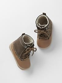 Sherpa snow boots