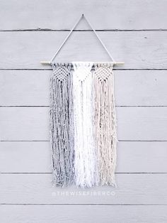 simple 3-color macrame hanging