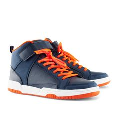 boys size 3  |  only at H US