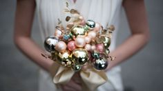 Make a flower bouquet with bulb ornaments