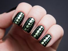 Reptilian Dot Nail Art