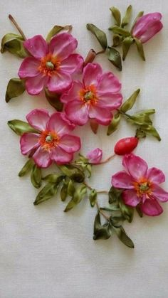 Wonderful Ribbon Embroidery Flowers by Hand Ideas. Enchanting Ribbon Embroidery Flowers by Hand Ideas. Ribbon Embroidery Tutorial, Fabric Flower Tutorial, Silk Ribbon Embroidery, Fabric Flowers, Embroidery Patterns, Hand Embroidery, Embroidery Stitches, Ribbon Art, Ribbon Crafts