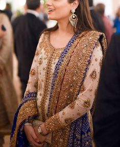 Border detailing Repost from . Source by clothes pakistani Shadi Dresses, Pakistani Formal Dresses, Pakistani Wedding Outfits, Indian Gowns Dresses, Pakistani Wedding Dresses, Pakistani Dress Design, Bridal Outfits, Desi Wedding Dresses, Party Wear Dresses