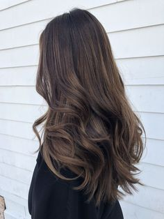 Long Wavy Ash-Brown Balayage - 20 Light Brown Hair Color Ideas for Your New Look - The Trending Hairstyle Brown Hair Balayage, Brown Blonde Hair, Brown Hair With Highlights, Light Brown Hair, Brown Hair Colors, Ombre Hair, Brunette Highlights, Color Highlights, Blonde Balayage