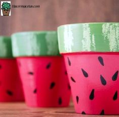 Watermelon Pots DIY Project Perfect for Summer! DIY Watermelon Crafts and Activities Your Kids Will Want to Do. There are so many great watermelon crafts and sensory activities for preschoolers and toddlers to choose from. Watermelon Flower, Watermelon Crafts, Watermelon Painting, Cactus Flower, Painted Plant Pots, Painted Flower Pots, Flower Pot Crafts, Clay Pot Crafts, Summer Crafts