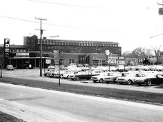 Vintage Cars, Vintage Photos, New Car Smell, Ford Granada, Ford Torino, Ford Motor Company, Mustang, Shots, Street View