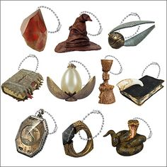 In 2000 Hallmark started releasing Harry Potter ornaments. Many are hard to find but when you visit this page I'll show you where to find them all! Harry Potter Christmas Decorations, Harry Potter Ornaments, Harry Potter Christmas Tree, Hogwarts Christmas, Harry Potter Items, Harry Potter Decor, Harry Potter Hogwarts, Harry Potter Accesorios, Harry Porter