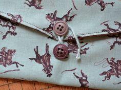Fabric Tie Envelope DIY Tutorial #sewing #tutorial