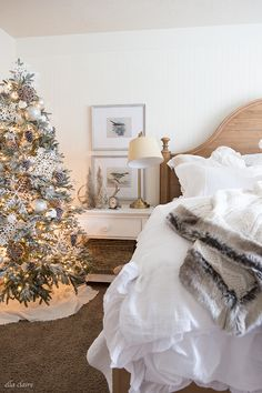 Winter Wonderland Bedroom With Faux Fur Accent Perfect For Leaving Up
