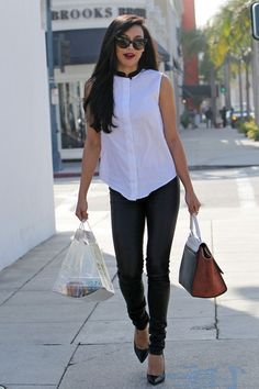 Naya Rivera Photos - 'Glee' star Naya Rivera satisfies her sweet tooth with a stop at Crumbs Bake Shop for some cupcakes in Los Angeles. - Naya Rivera Out in LA Naya Rivera, Glee Fashion, Fashion Design Sketches, Girl Crushes, Pretty Outfits, Celebs, Celebrities, My Outfit, Autumn Winter Fashion